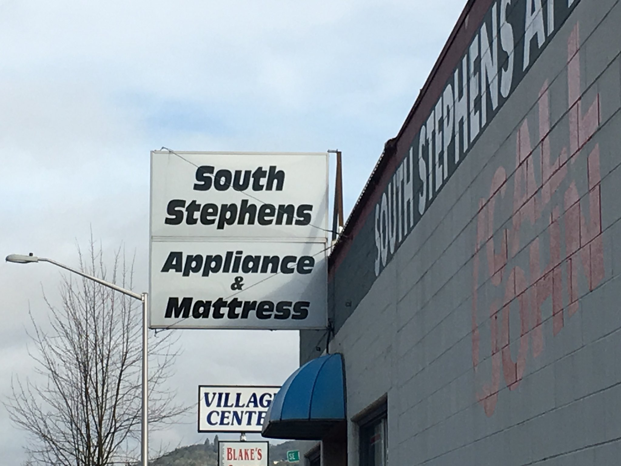 At South Stephens Appliance in Roseburg, they like to keep things equal. (SBG)