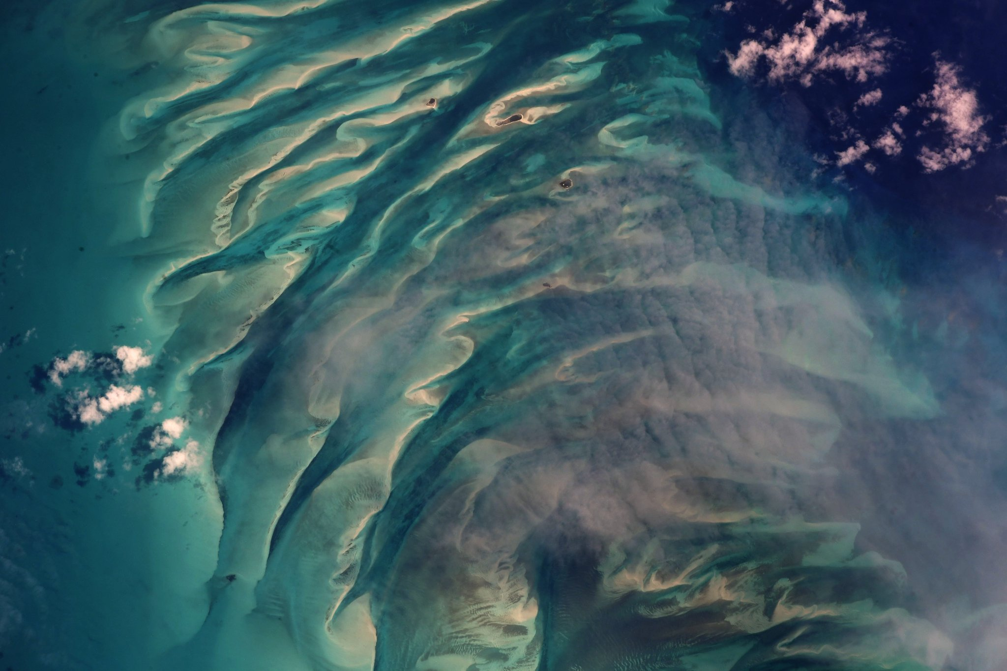 The glorious banks and cays of #Eleuthera #Bahamas   (Photo & Caption: Ricky Arnold / NASA)