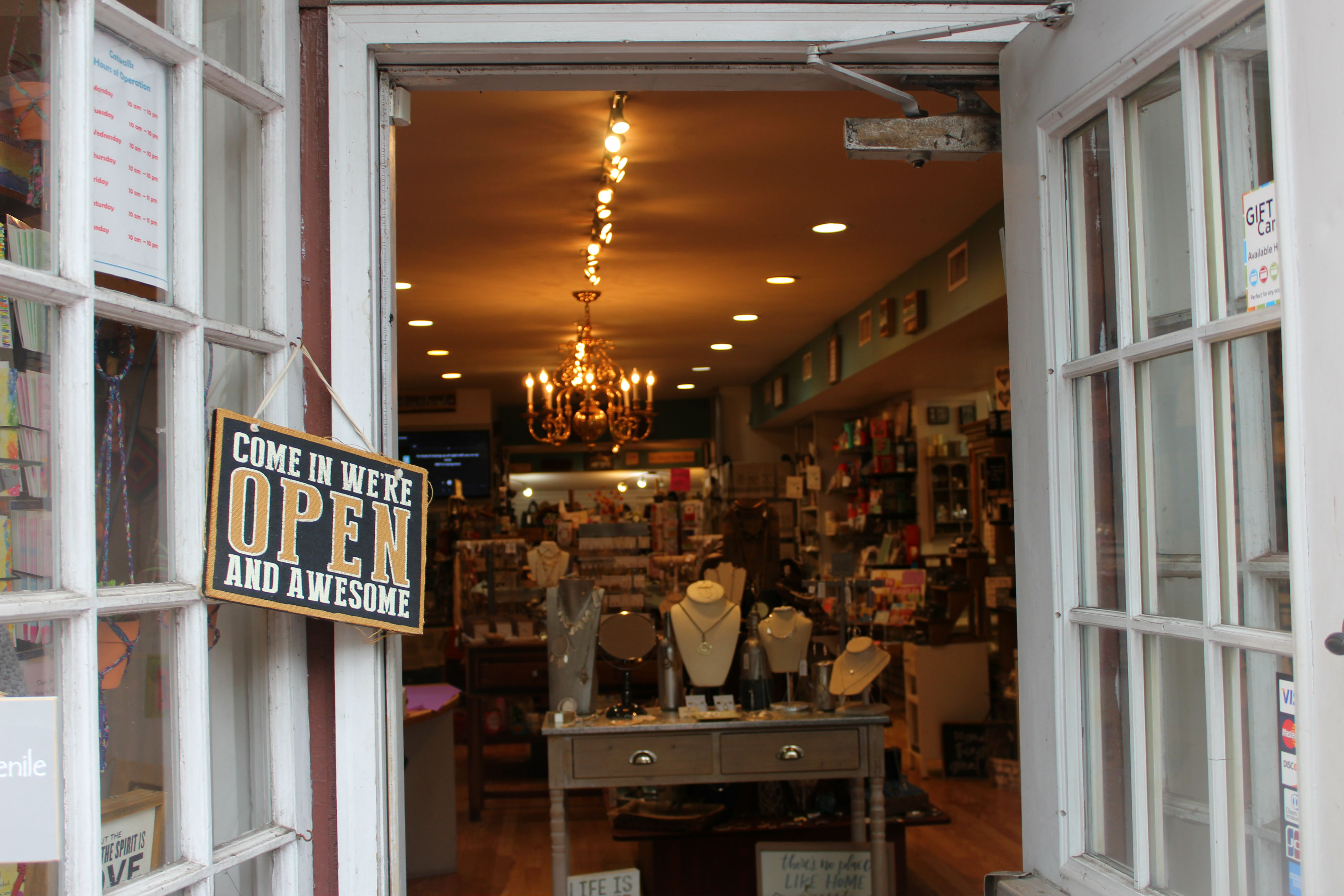 New Hope has an abundance of quirky stores, including fashion boutiques, sex shops, book stores, a tie-dye studio, psychics, ice cream parlors, candy stores, a comic book store, jewelers and more!