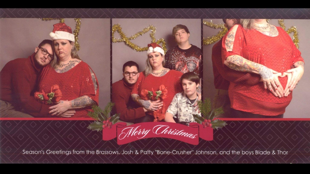 svsu student hires fake family for christmas card prank weyi