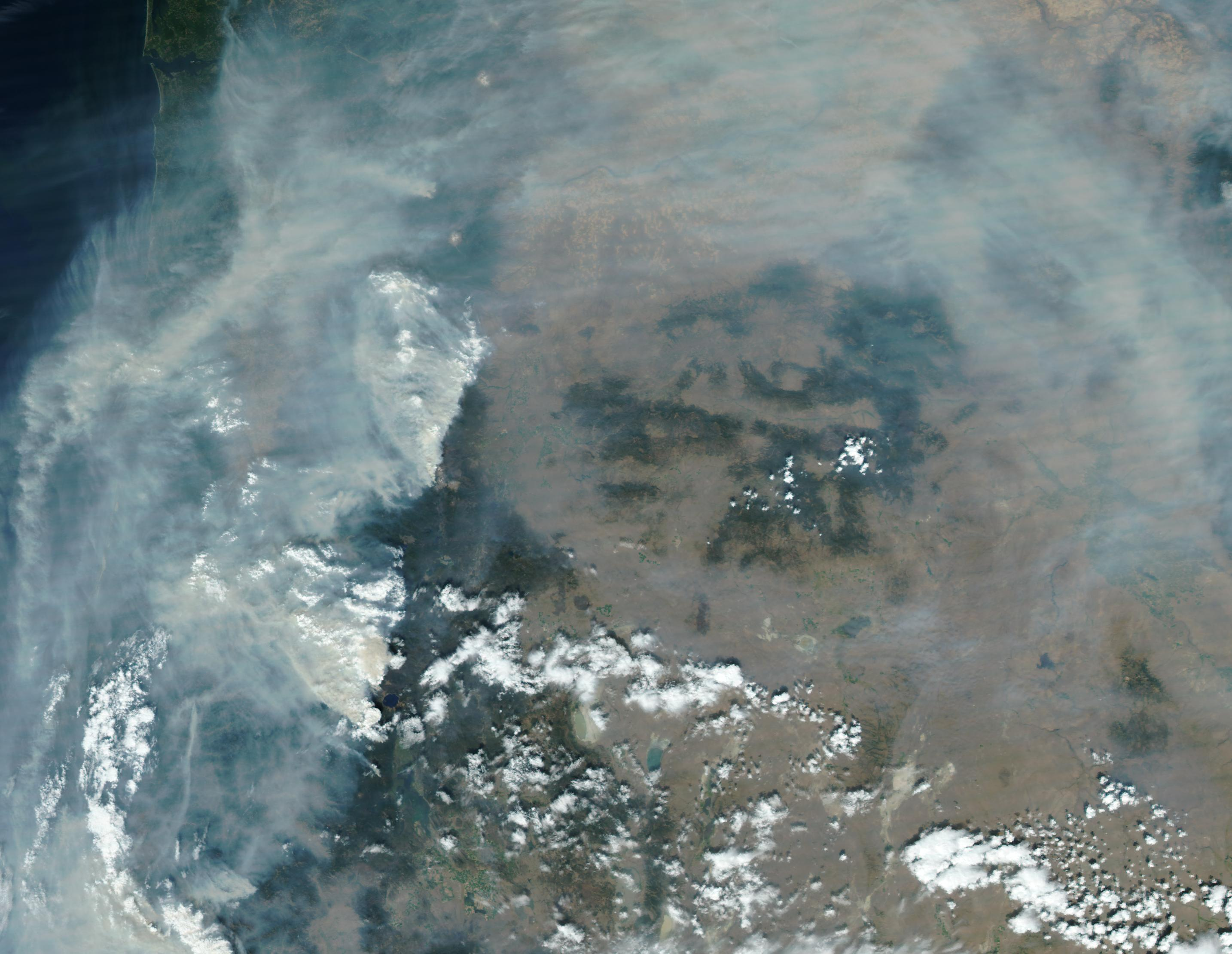 NASA satellite image shows Oregon on September 4, 2017. Air quality in Western Oregon ranges into the Unhealthy and even Hazardous categories over the Labor Day weekend thanks to smoke from forest fires.