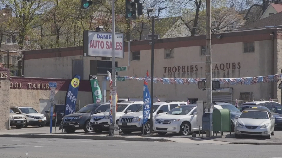 consumer reports how to get best deals on used cars wjar. Black Bedroom Furniture Sets. Home Design Ideas