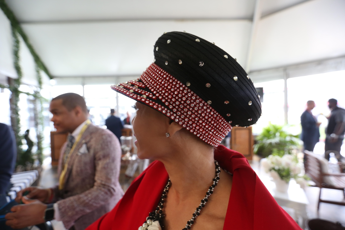 We appreciate that this sparkling hat leaned away from the trend of feathers and flowers. (Amanda Andrade-Rhoades/DC Refined)