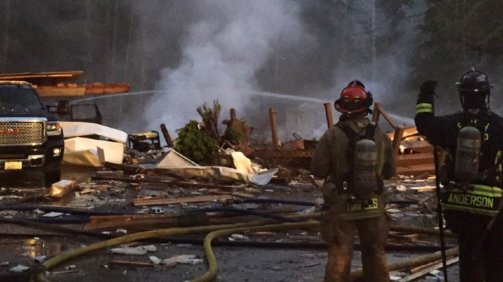 2 killed as powerful explosion levels home in Kitsap County