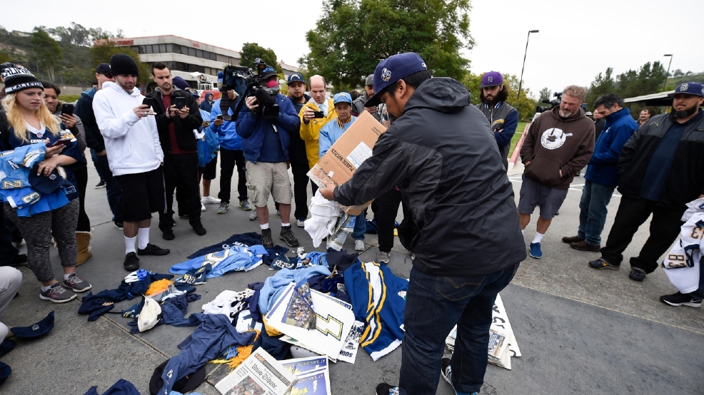 Chargers Announce They Re Moving To Los Angeles Kbak