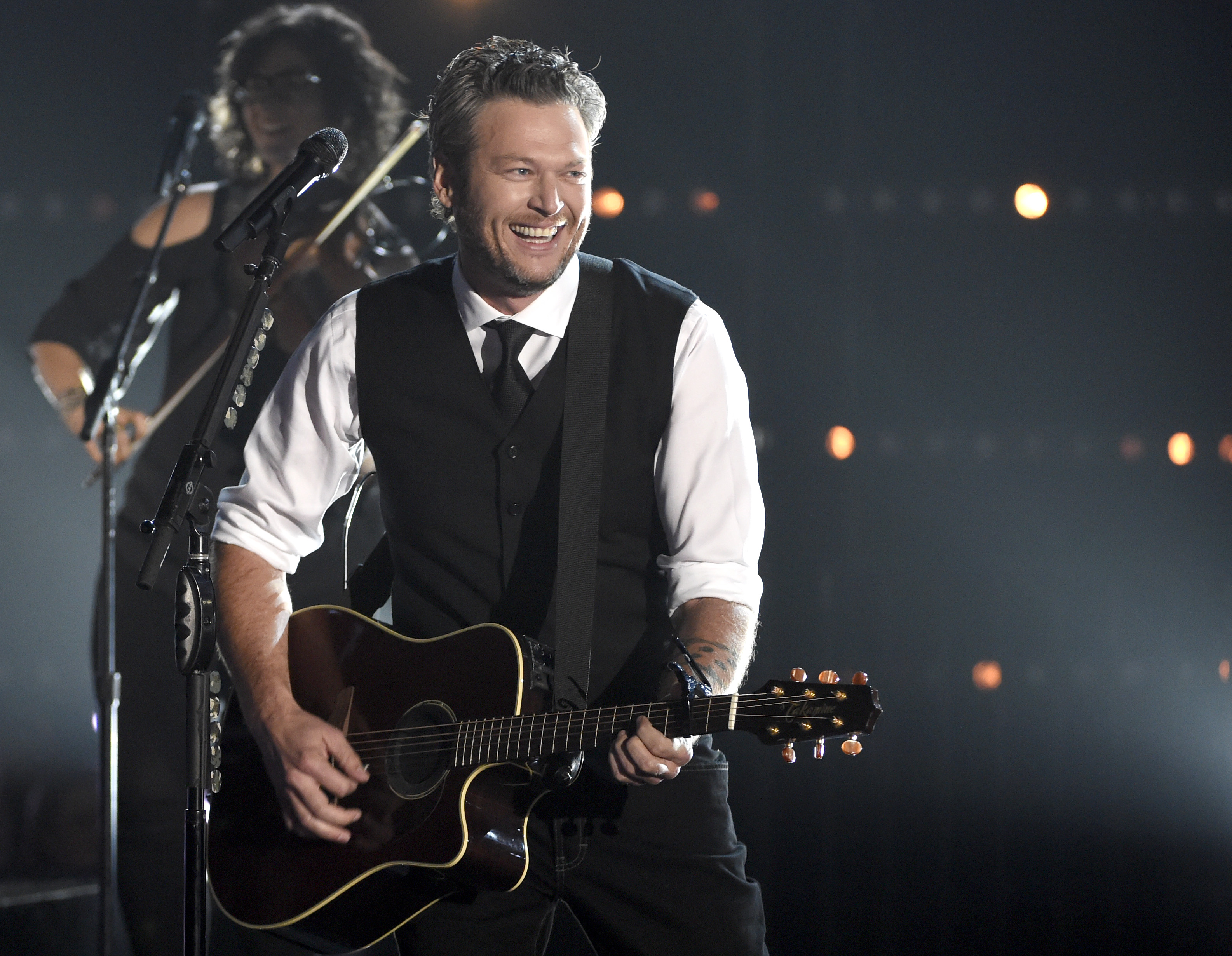 Blake Shelton performs at the 49th annual CMA Awards at the Bridgestone Arena on Wednesday, Nov. 4, 2015, in Nashville, Tenn. (Photo by Chris Pizzello/Invision/AP)