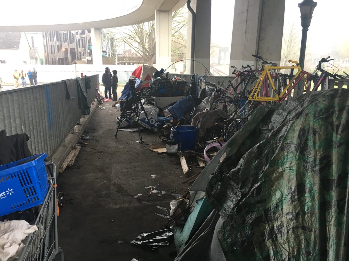 ODOT, police sweep Salem homeless camp - KATU photo from reporter Genevieve Reaume
