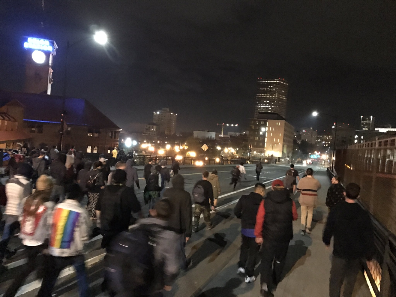 Protesters head to downtown Portland over Broadway Bridge (Photo by KATU's Tristan Fortsch)