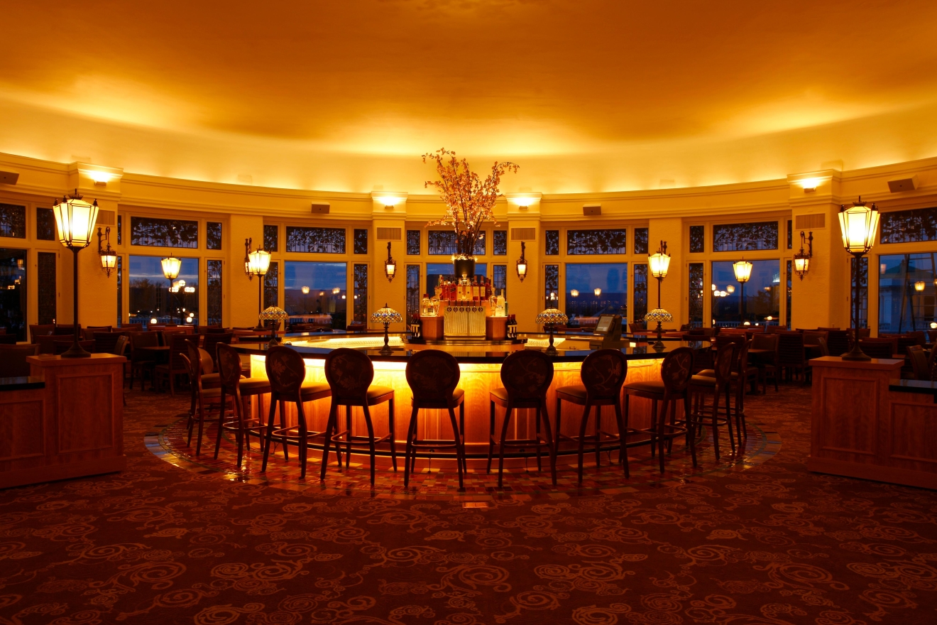The Iberian Lounge is a cozy setting to stare into your beloved's eyes and sip a Martini by the fireplace--during my most recent visit, though, it was closed for a few months for renovations. I'm more apt to sip a cocktail at the stunning Circular Bar in the Circular Dining Room anyway. (Hotel Hershey)