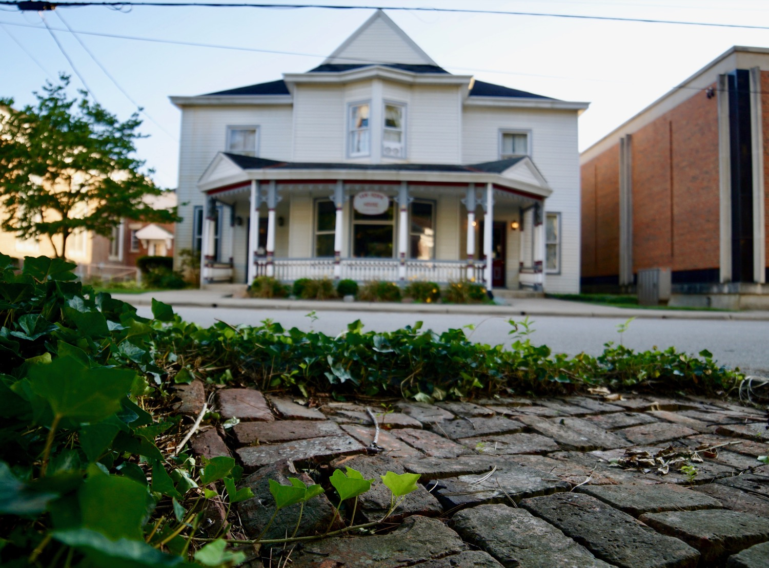 Established in 1848, Batavia is the county seat of Clermont County. It sits outside the I-275 belt loop (24 miles east of Cincinnati), near Amish country and the foothills of Appalachia. Its architecture showcases an alluring 19th- and early-20th century charm. / Image: Brian Planalp // Published: 8.21.17