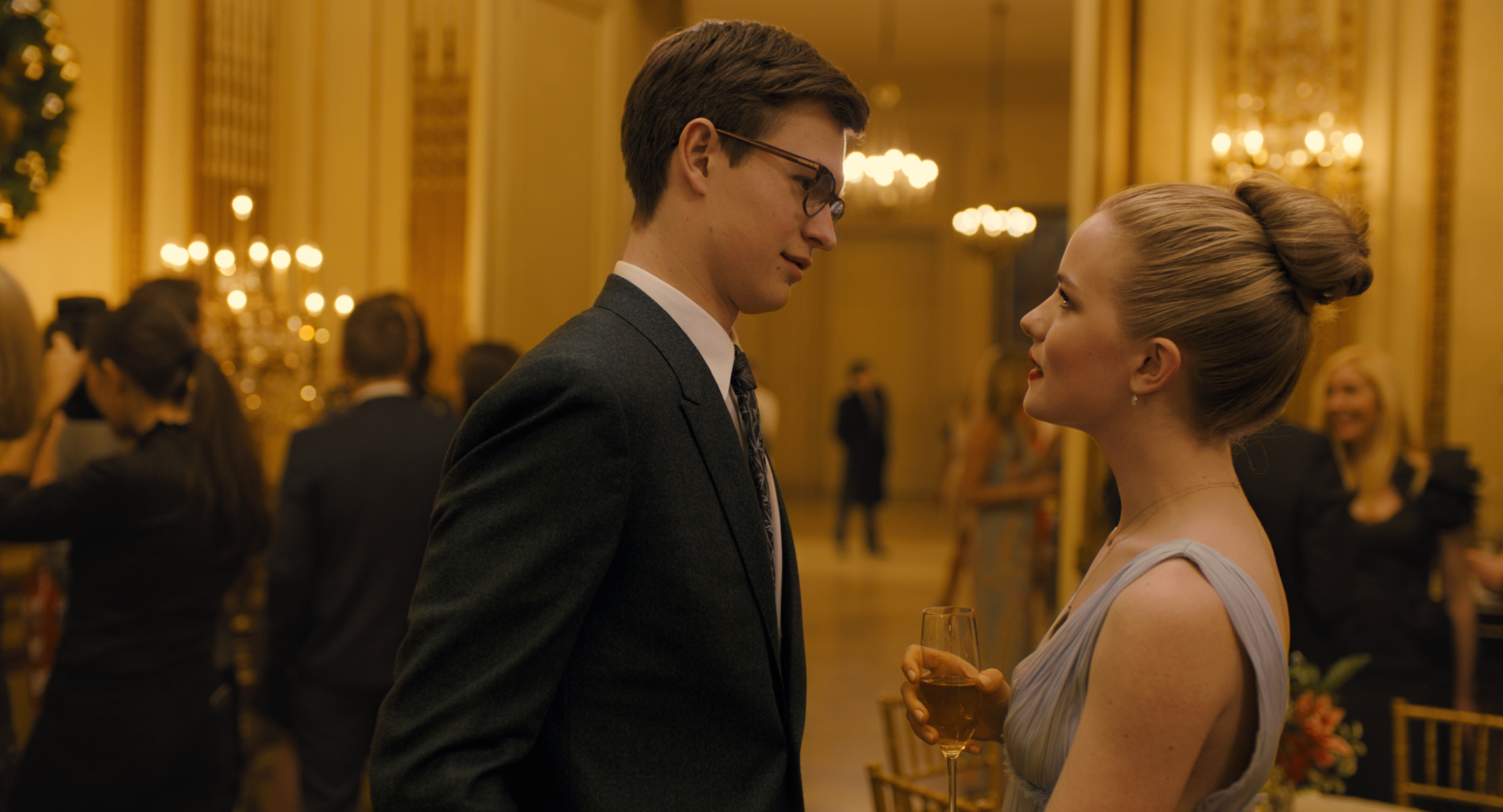 (L-r) ANSEL ELGORT as Theo Decker and WILLA FITZGERALD as Kitsey Barbour in Warner Bros. Pictures' and Amazon Studios' drama, THE GOLDFINCH, a Warner Bros. Pictures release. (Image: Warner Bros)