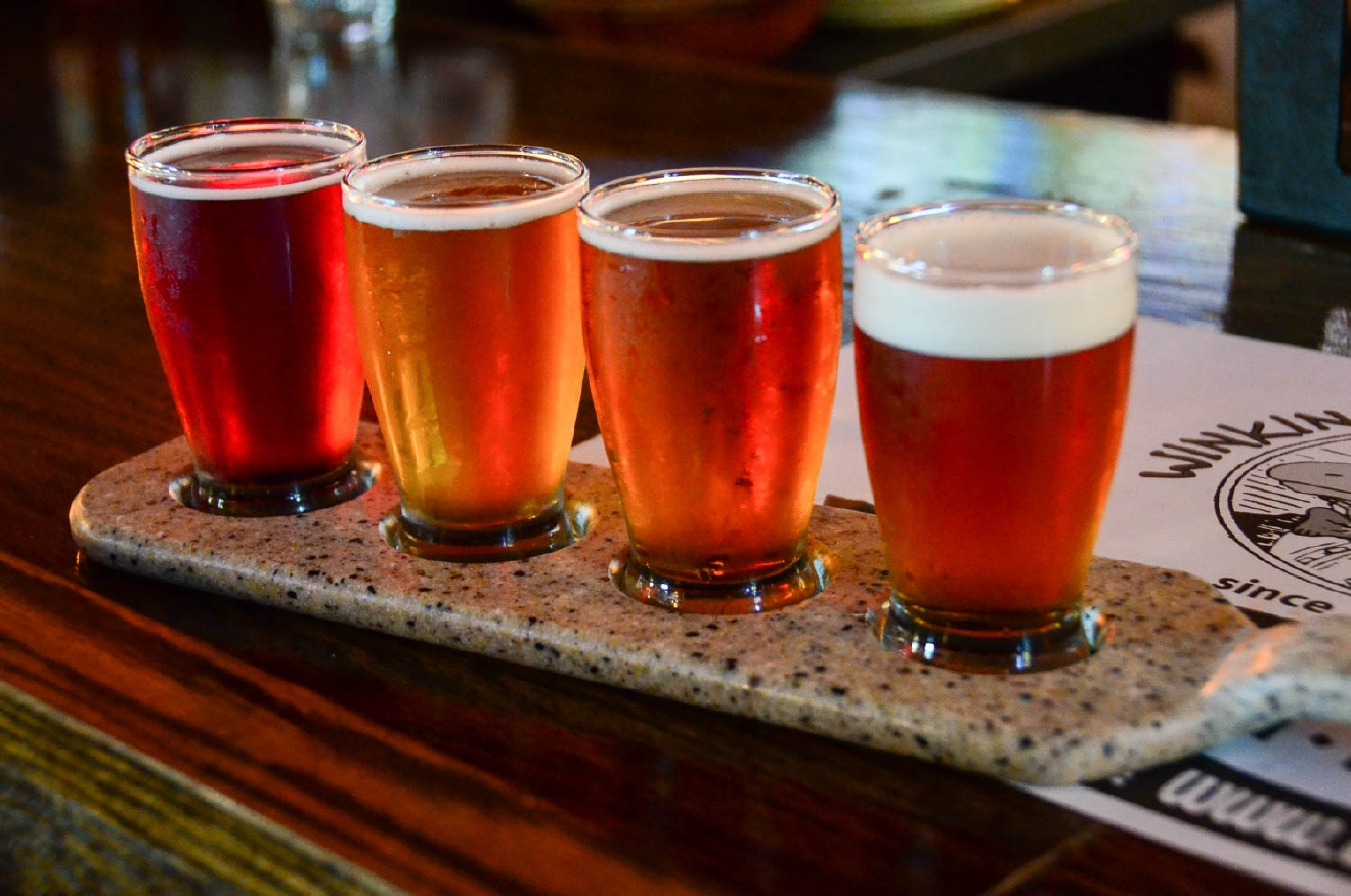A flight of beer at the Winking Lizard Tavern / Image: Sherry Lachelle Photography