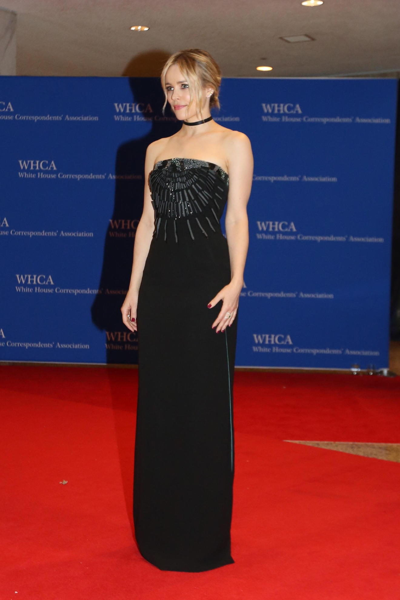No one does simple, refined and chic better than Rachel McAdams. (Image: Amanda Andrade-Rhoades/ DC Refined)