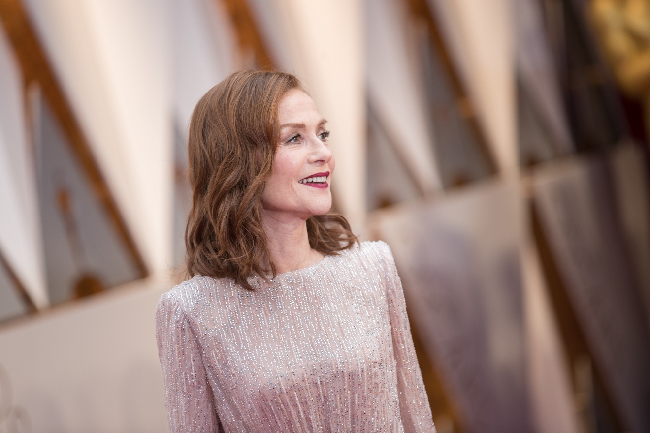 Oscar® Nominee, Isabelle Huppert, arrives on the red carpet of The 89th Oscars® at the Dolby® Theatre in Hollywood, CA on Sunday, February 26, 2017. (Michael Yada / ©A.M.P.A.S.)