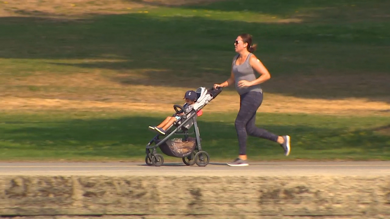 Researchers have discovered the best way to burn calories while jogging with a stroller. (Photo: KOMO News)