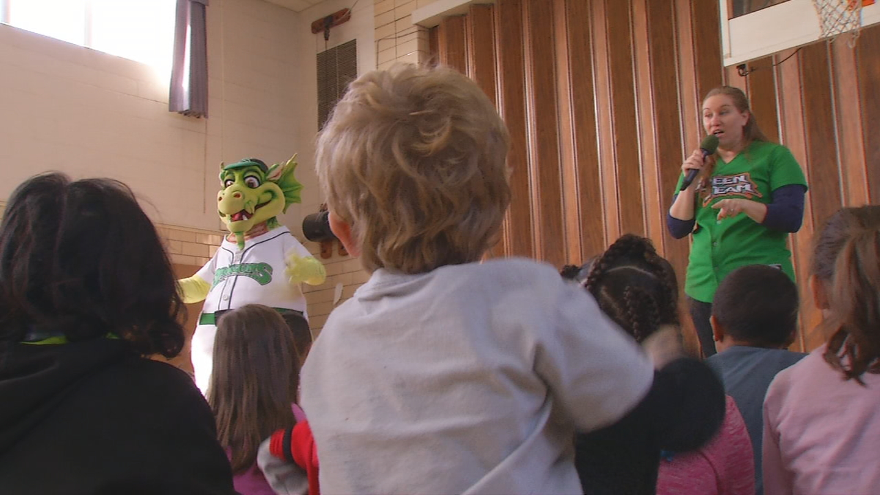 Dayton Dragons getting kids pumped up for baseball season (WKEF/WRGT)<p></p>