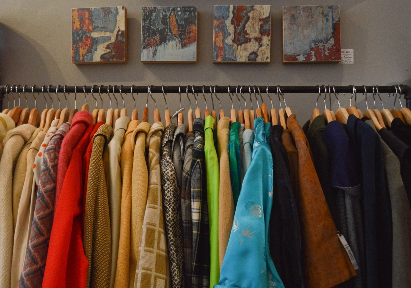 Hi-Bred is a boutique store specializing in both modern and vintage clothing in East Walnut Hills. Vinyl, housewares, jewelry, and other eclectic items are also available for purchase. ADDRESS: 2807 Woodburn Avenue, Cincinnati, OH 45206. / Image: Liliana Dillingham // Published: 11.29.16