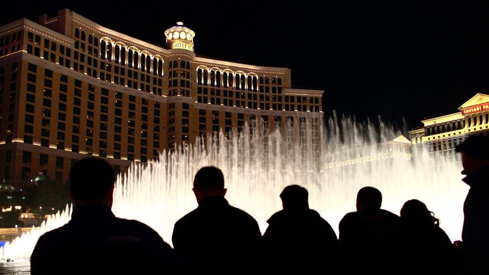 Cast of Cirque show 'O' will dive into Bellagio fountains to celebrate 10,000 shows