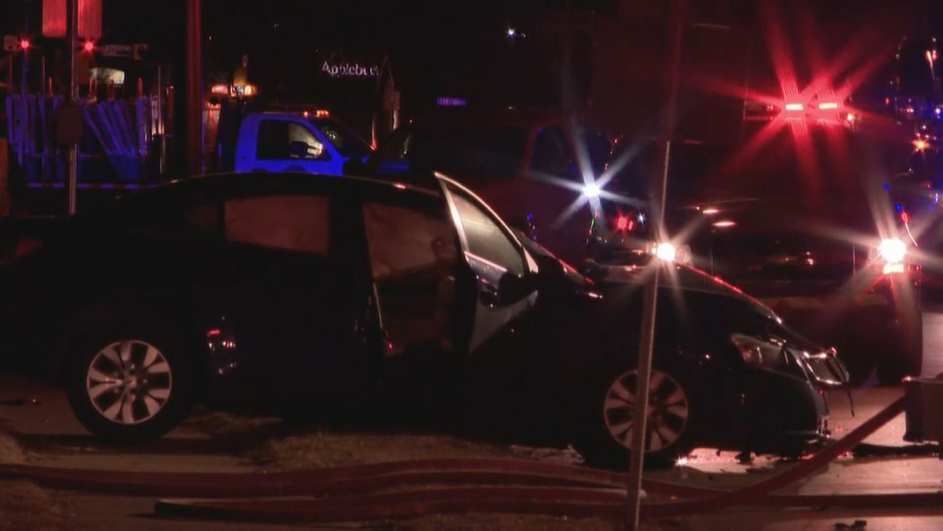 A 2-vehicle crash Thursday night in the 3900 block of Lincolnway East // WSBT 22 photo