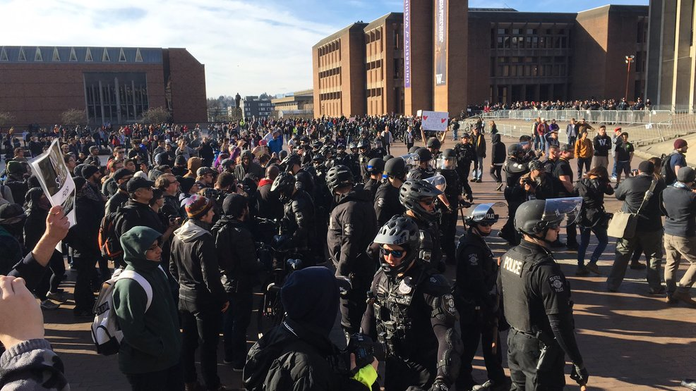 protesters police face off at university of washington seattle wjla
