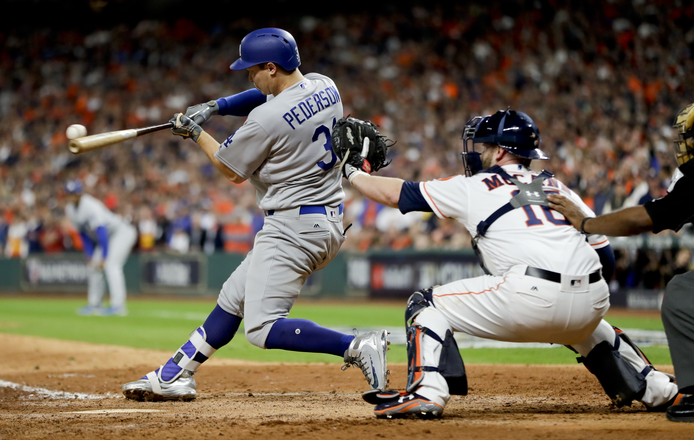 Bellinger, Dodgers top Astros 6-2 to tie World Series 2 ...  Dodgers Baseball