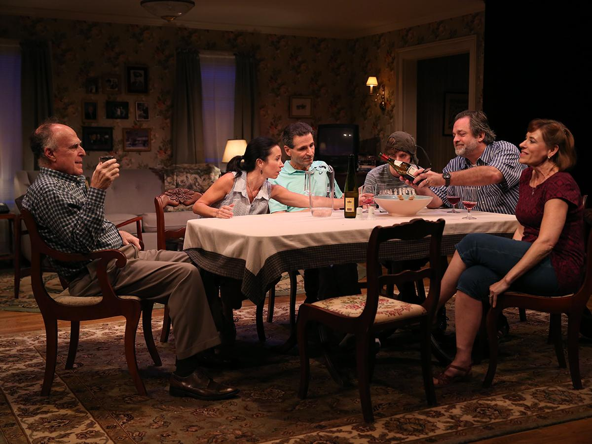 Cast of IF I FORGET at Studio Theatre. (Image: Carol Rosegg)<p></p>