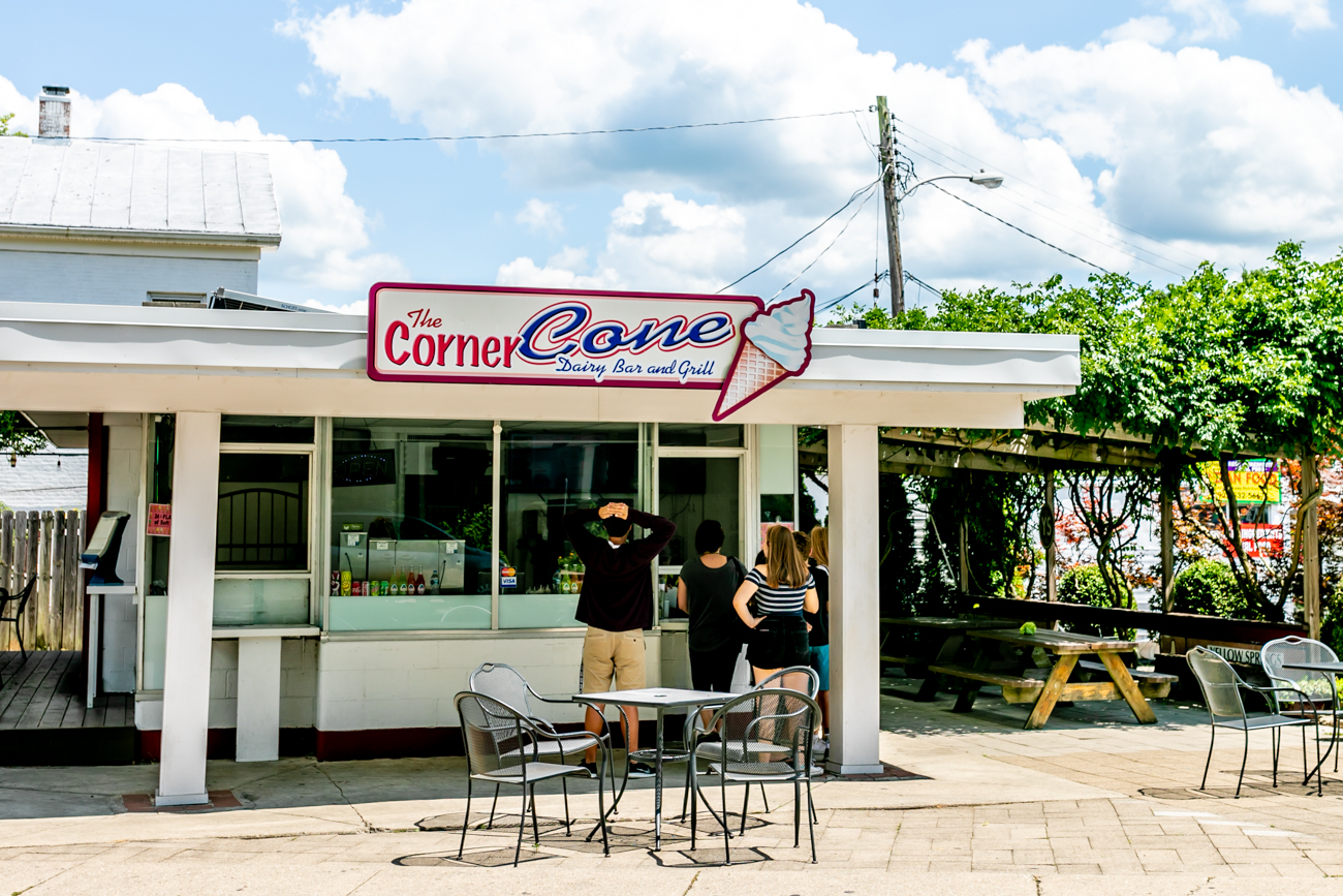 Corner Cone is open during the summer season and has bike rentals. / Image: Amy Elisabeth Spasoff // Published: 8.10.18