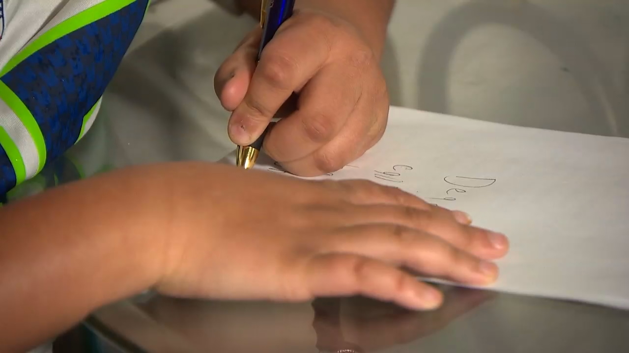 Holiday wish: Mom asks for Christmas cards for autistic son (KOMO News)