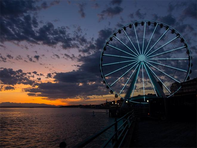 Gorgeous sunset in Seattle. Photo: Travelingbhat