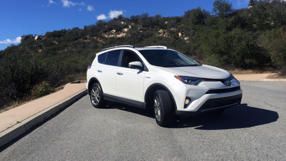 2016 Toyota Rav4 Hybrid The More Efficient Ful Option First Look Kmph