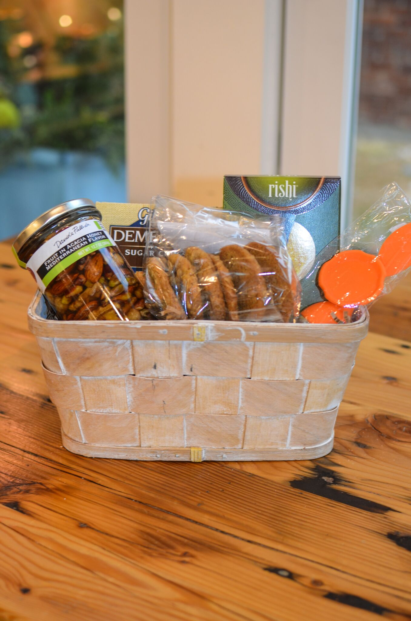 Tea Time Basket from Gentle Harvest // Price: $49 // Buy in store or call ahead //{&nbsp;}www.gentleharvest.com // (Image: Gentle Harvest)<p></p>