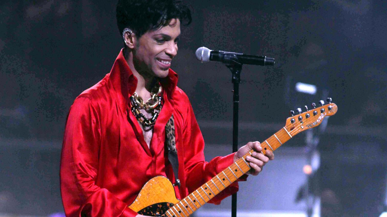 Search warrants to be unsealed in Prince's death.  (MGN)
