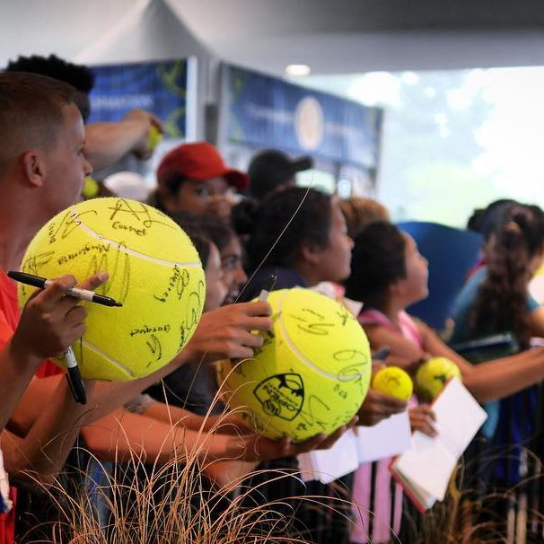 IMAGE: IG user @cincytennis / POST: Sign here.  #cincytennis #tennis #ATP #WTA #fans #autograph #tennisball #cincyusa