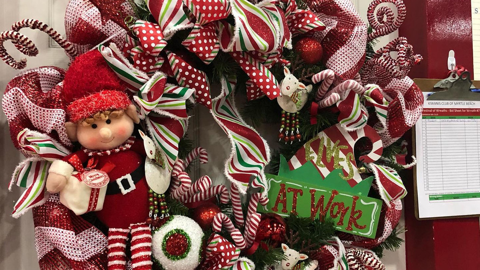 Dickens Christmas Show: A way to shop, help others & get into holiday spirit
