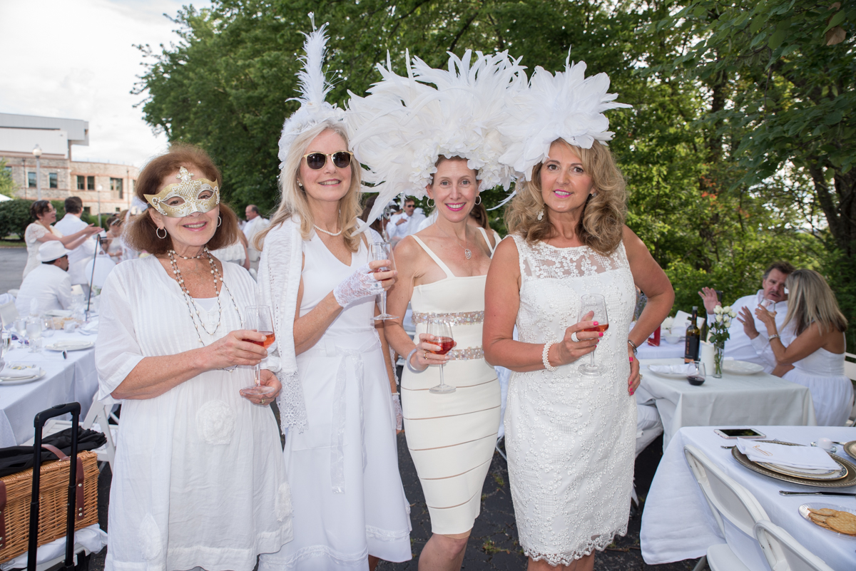 People: Joan Baltarshanski, Carol Spatz, Debra Baltarshanski, and Danuta Connell / Event: Diner en Blanc (6.24.17) / Image: Sherry Lachelle Photography
