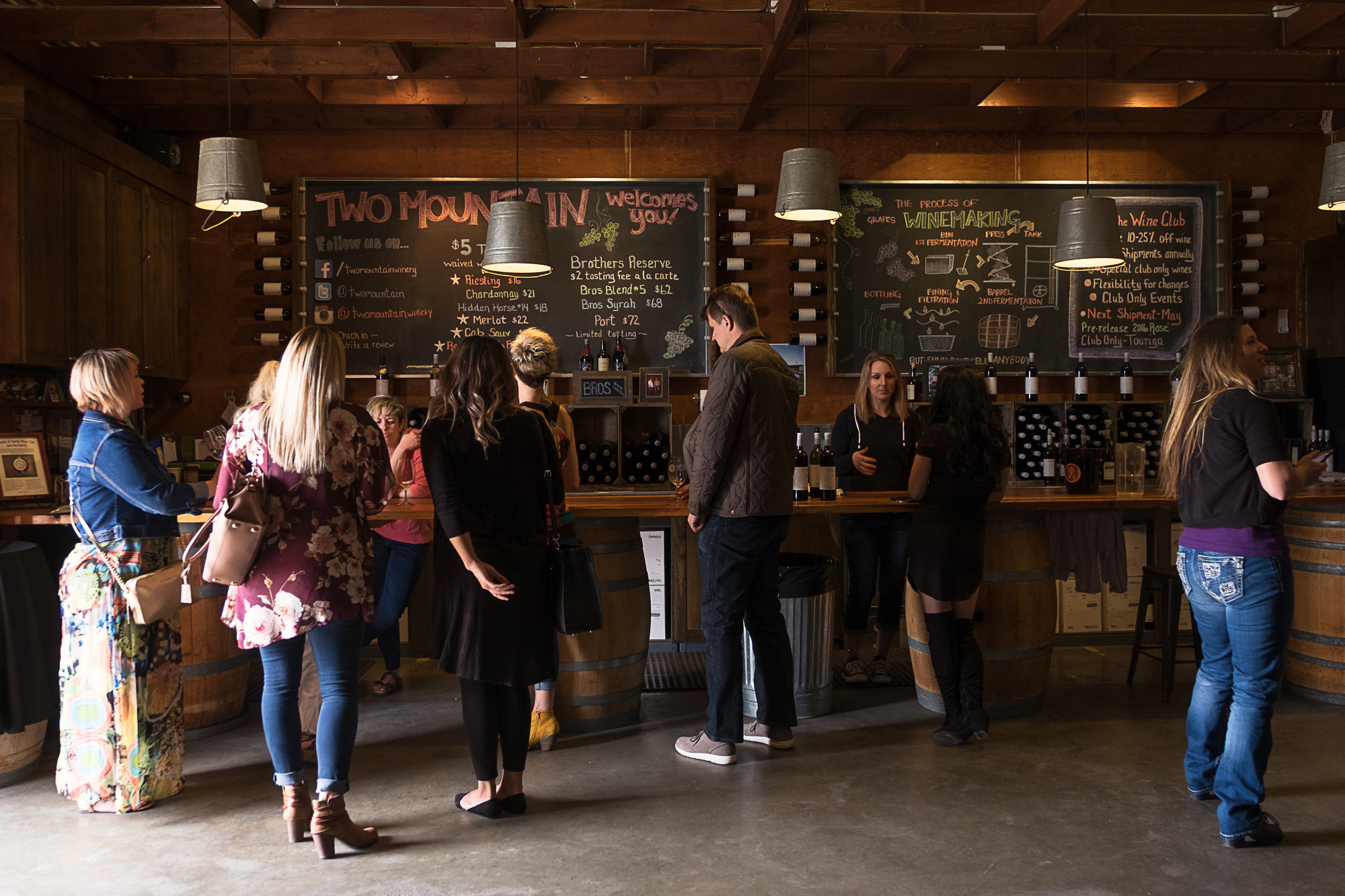 Two Mountain Winery (Image: Paola Thomas/Seattle Refined)