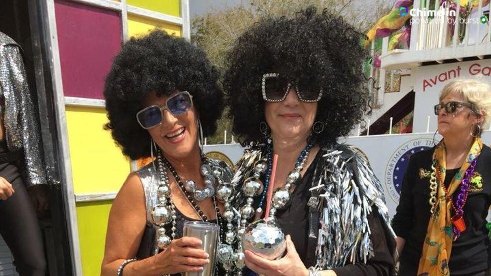 Video Pensacola S Grand Mardi Gras Parade Wear