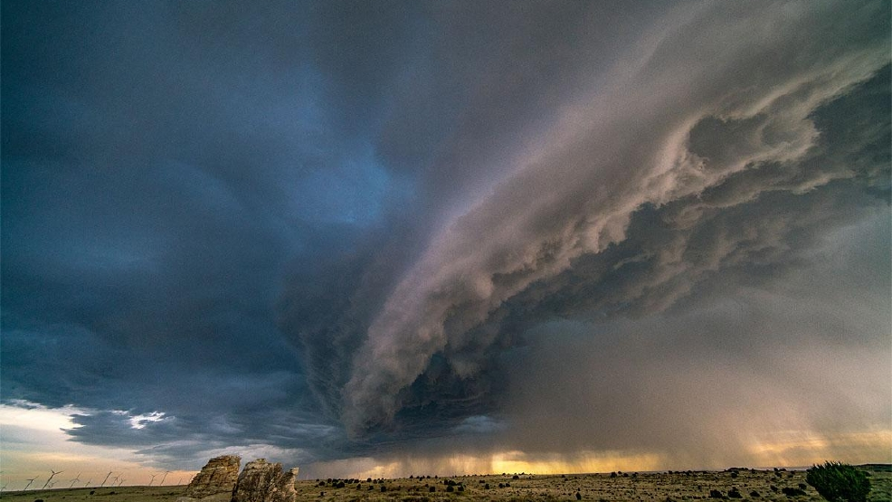 Northwest storm chaser gets incredible shots of Colorado supercell thunderstorm