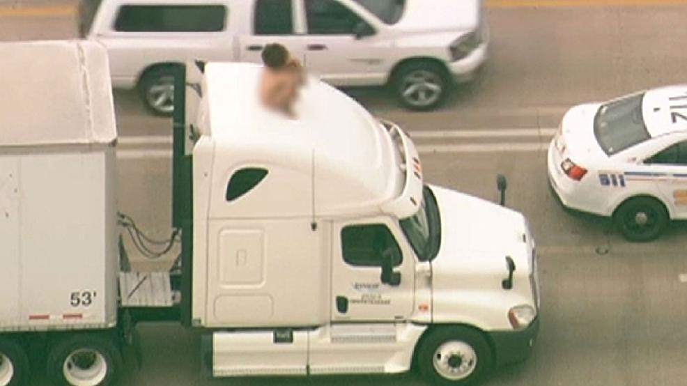 BIZARRE: Naked woman on truck shuts down Houston freeway