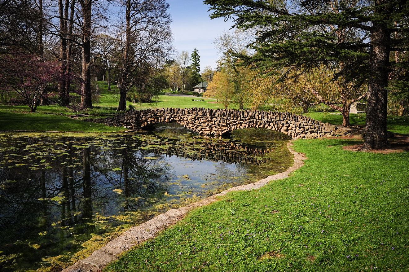 Geyser Lake, one of Spring Grove's 15 lakes / Spring Grove Cemetery & Arboretum is located at 4521 Spring Grove Avenue, Cincinnati OH 45232. // Image: Melissa Doss Sliney