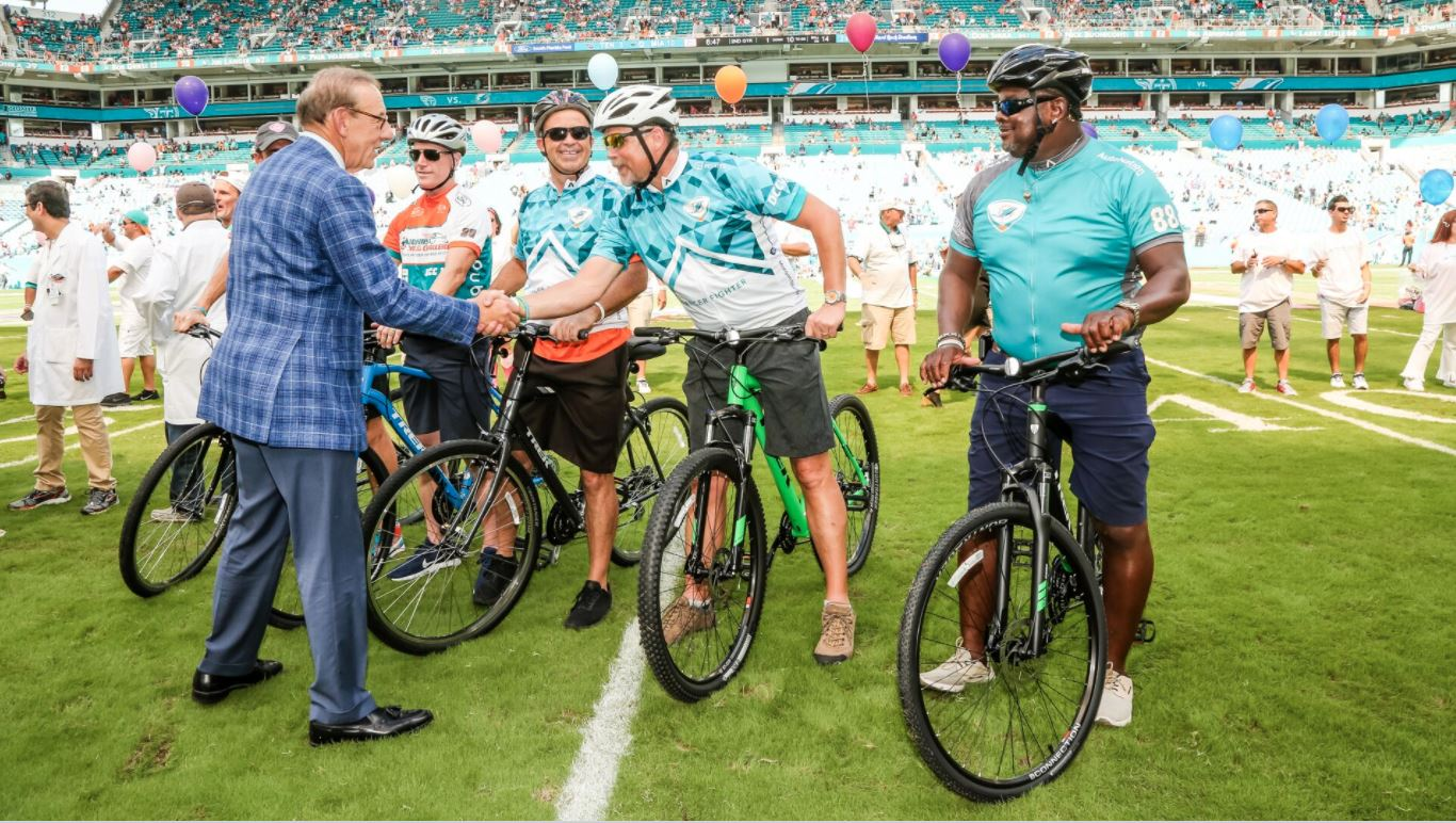 Dolphins owner Stephen Ross celebrates the Dolphins Cancer Challenge. (Miami Dolphins)<p></p>