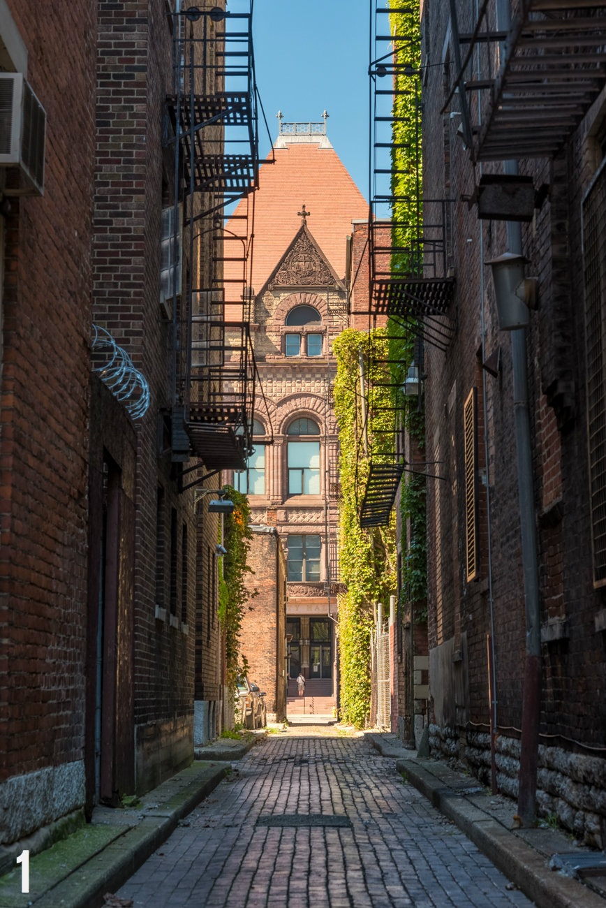 "STORY: ""30 Photos Of The Queen City's Coolest Alleys"" / LOCATION: Weaver Alley, connects Plum Street to Doerr Alley / IMAGE: Phil Armstrong, Cincinnati Refined / Published: 12.25.16"