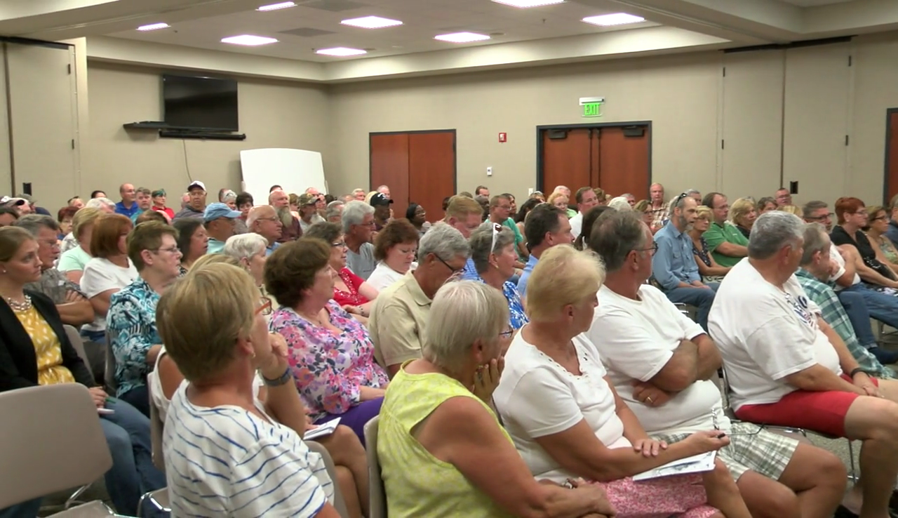 Carolina Lakes residents speak out against proposed rezoning plan (WPDE)