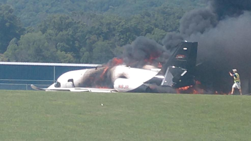 Dale Earnhardt Jr.'s plane crashes at Tennessee airport