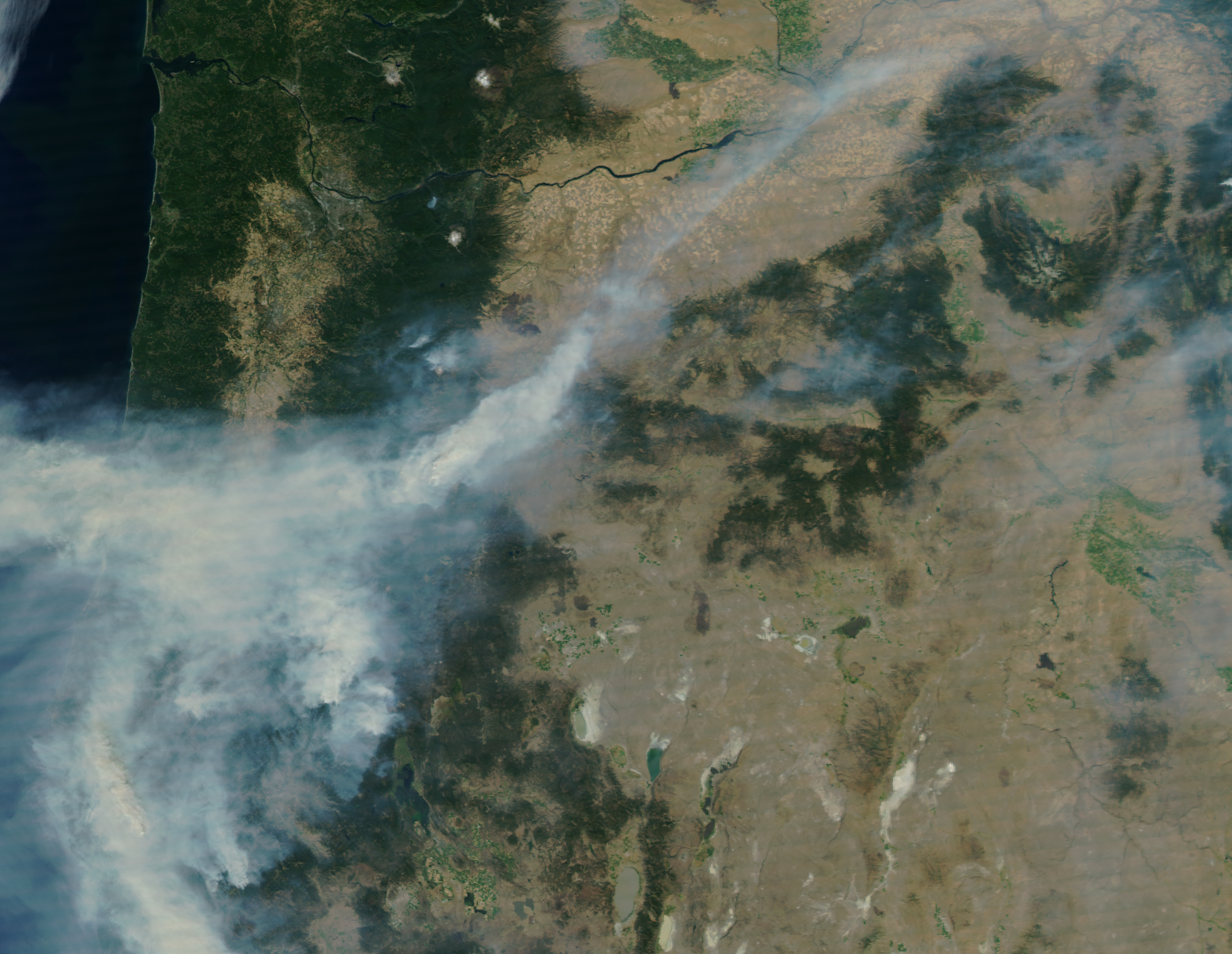 NASA satellite image shows Oregon on September 2, 2017. Air quality in Western Oregon ranges into the Unhealthy and even Hazardous categories over the Labor Day weekend thanks to smoke from forest fires.