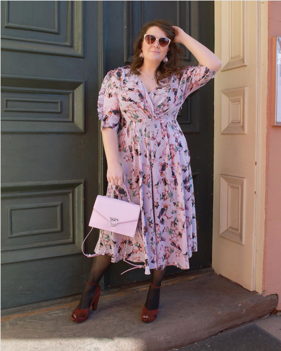 Call us traditional, but we love a soft, dreamy palette and some florals for spring! The velvety pumps are also a fun touch that keeps this outfit edgy.  (Image courtesy of @thelowlowstyle, photo by @dreamyrealist_)